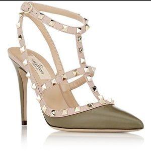 VALENTINO rockstud heels 👠